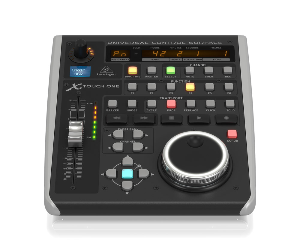 фото Behringer X-TOUCH ONE